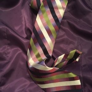 NEW MEN'S TIE SHARP CLASSIC STRIPES